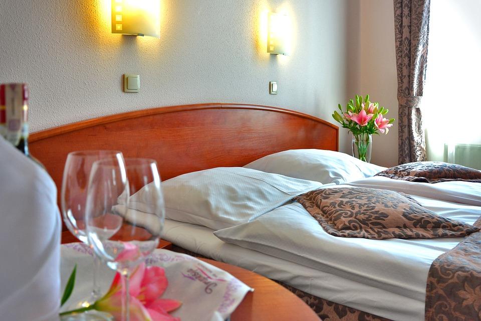 España: Las pernoctaciones hoteleras suben en octubre tras cuatro meses de caídas