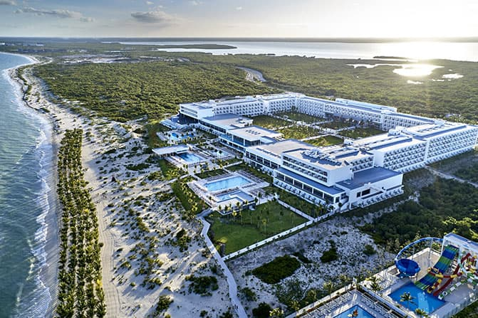 Riu abre su segundo hotel en Costa Mujeres y alcanza los 19 en México