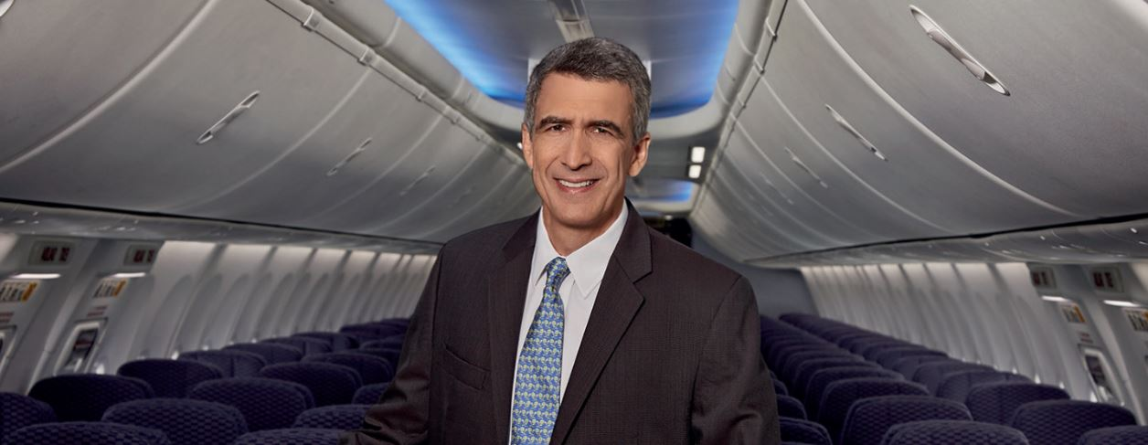 """""""Necesitamos una política aérea que promueva nuevas rutas y brinde facilidades para que las aerolíneas podamos crecer"""": Pedro Heilbron"""