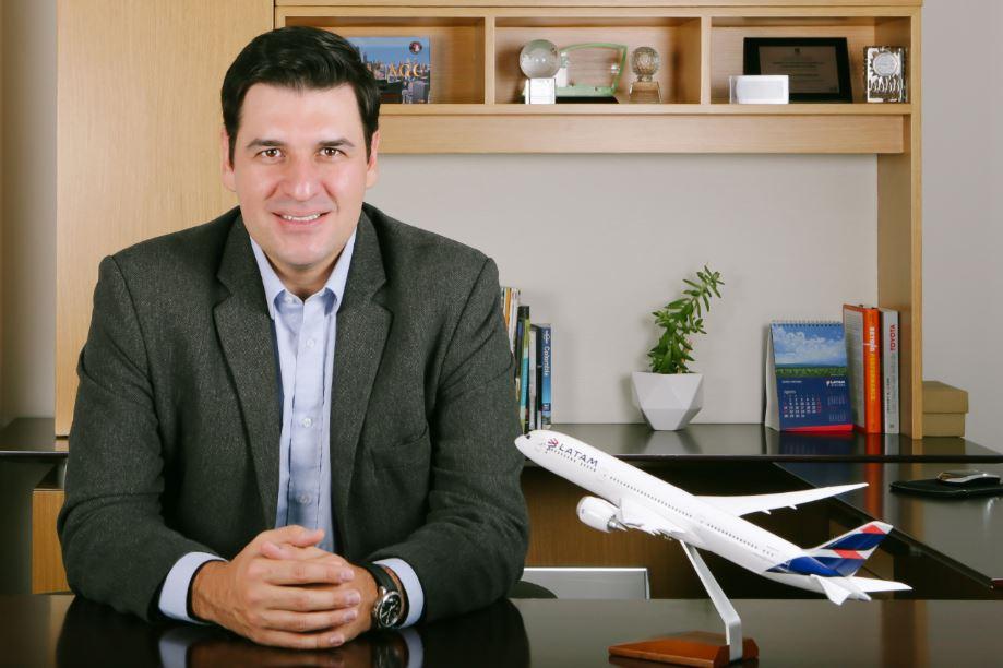 """""""El nuevo servicio Premium Economy empieza el 16 de marzo"""", Santiago Álvarez, director de Latam"""