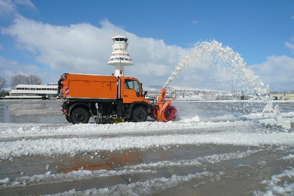 España: Aeropuertos y aerolíneas, preparados para las nevadas