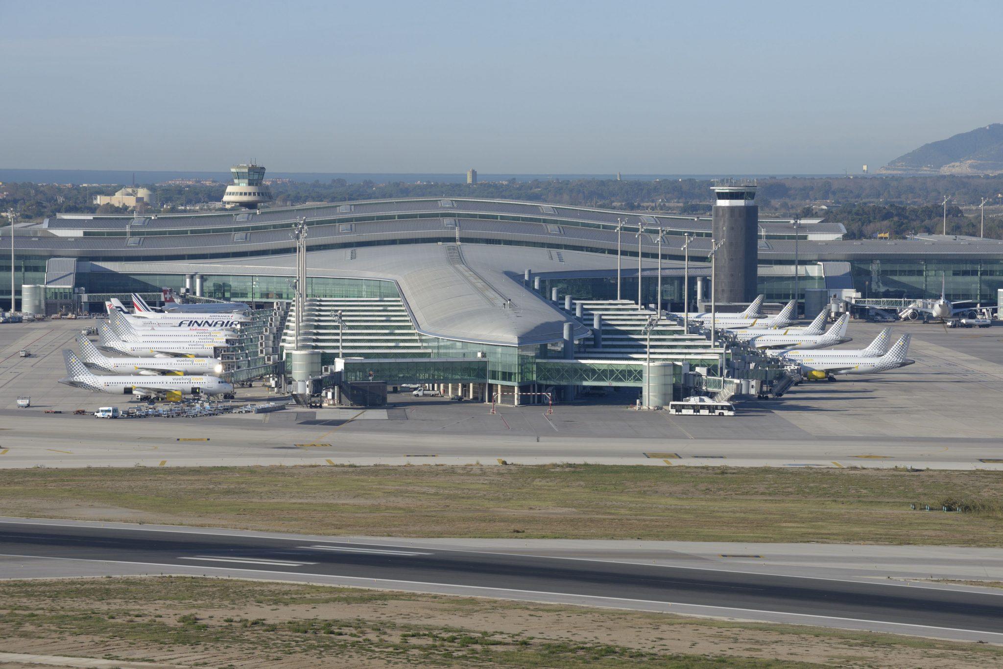 Ryanair, Vueling, Easyjet, Iberia y Air Europa tiraron del tráfico de Aena en el difícil 2019
