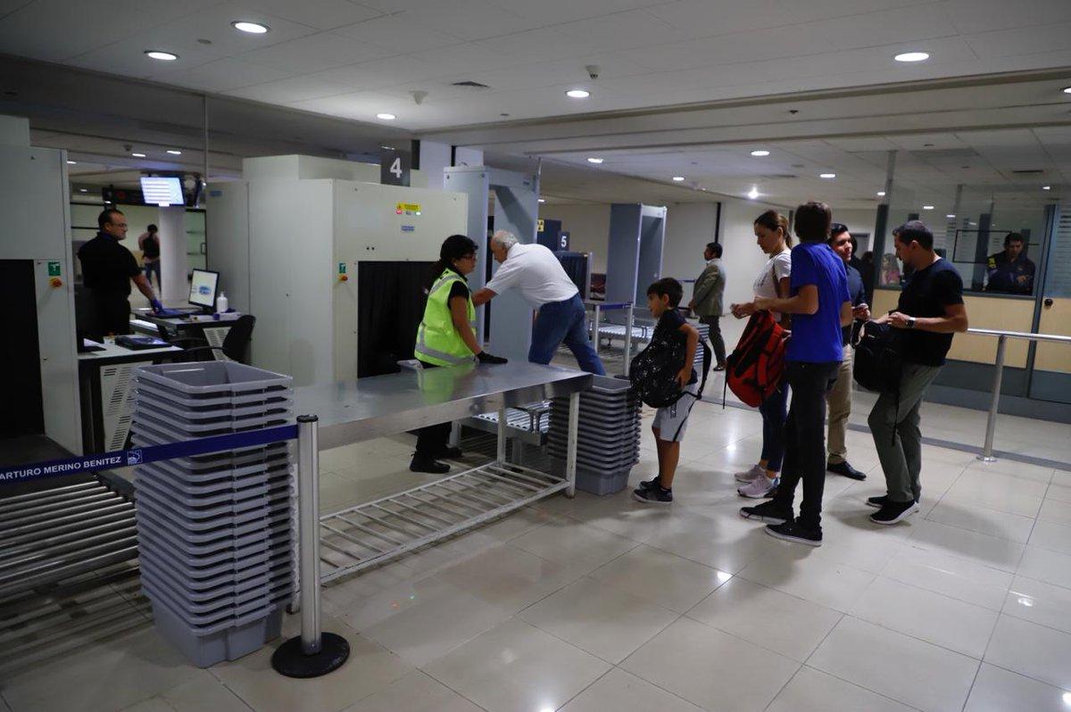 Inauguran nueva sala de control para embarques nacionales de aeropuerto de Santiago