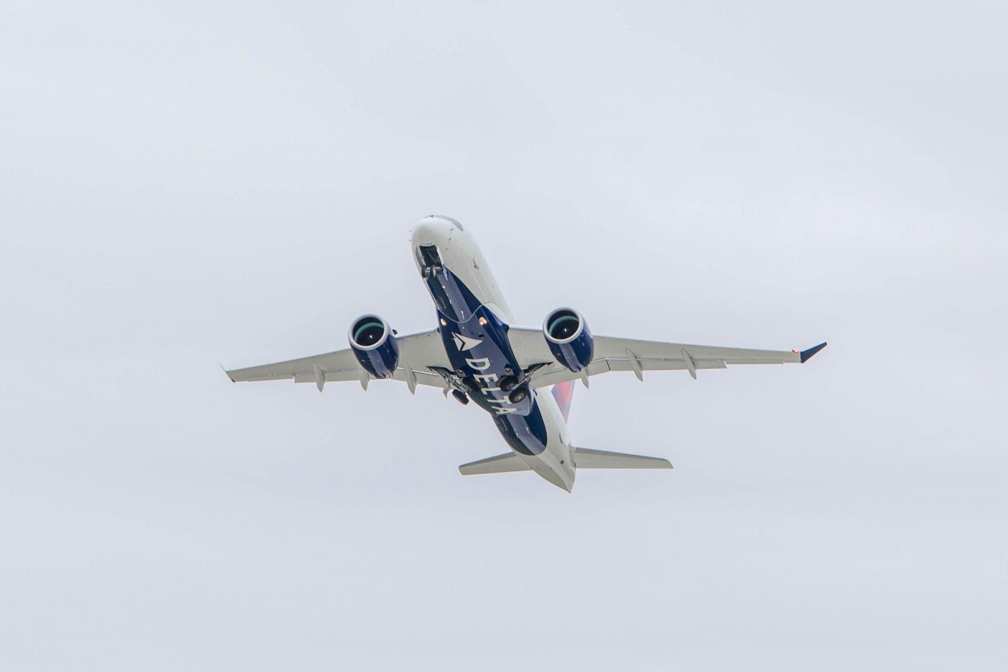 Delta Air Lines compra a Airbus otros cinco aviones A220-100 adicionales, valorados en 361 millones