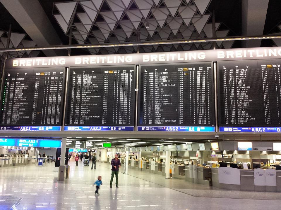 Cientos de vuelos cancelados en Alemania por huelga en aeropuertos