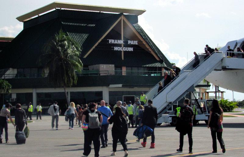 Aeropuerto de Holguín dice que sobrecumplió en 2018 los parámetros de seguridad en vuelos