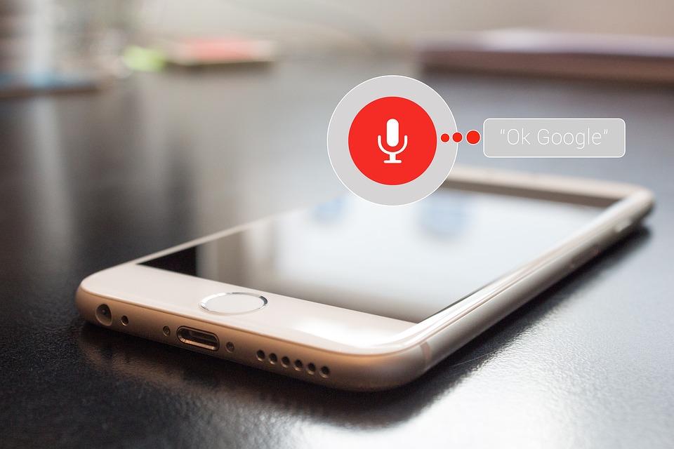 Google Assistant lanza función de facturación de vuelos