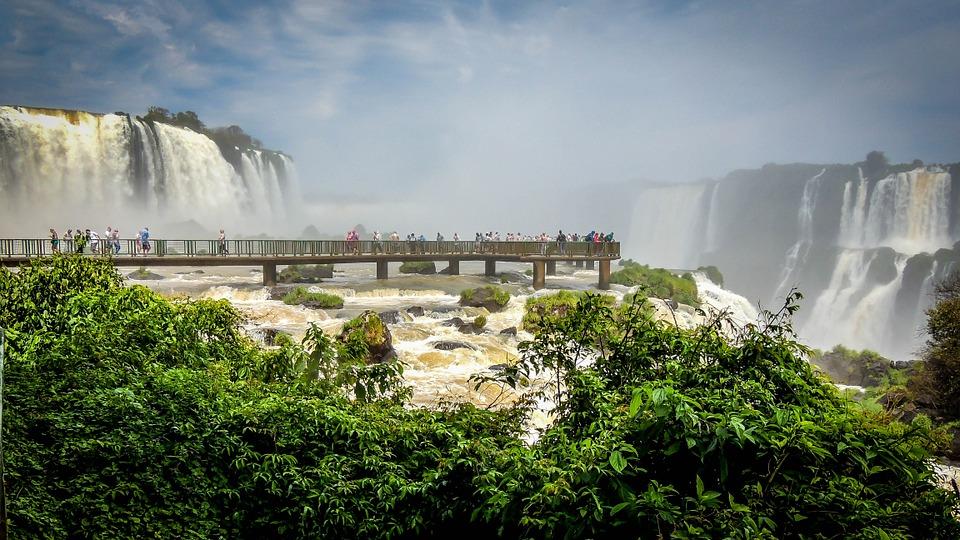 Turistas peruanos contribuyeron al flujo creciente de Foz de Iguazú