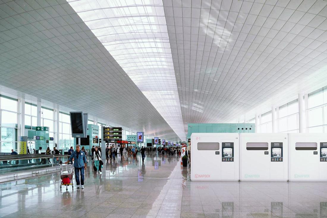 Viajero de negocios, con estas cabinas ahora podrás trabajar desde un aeropuerto