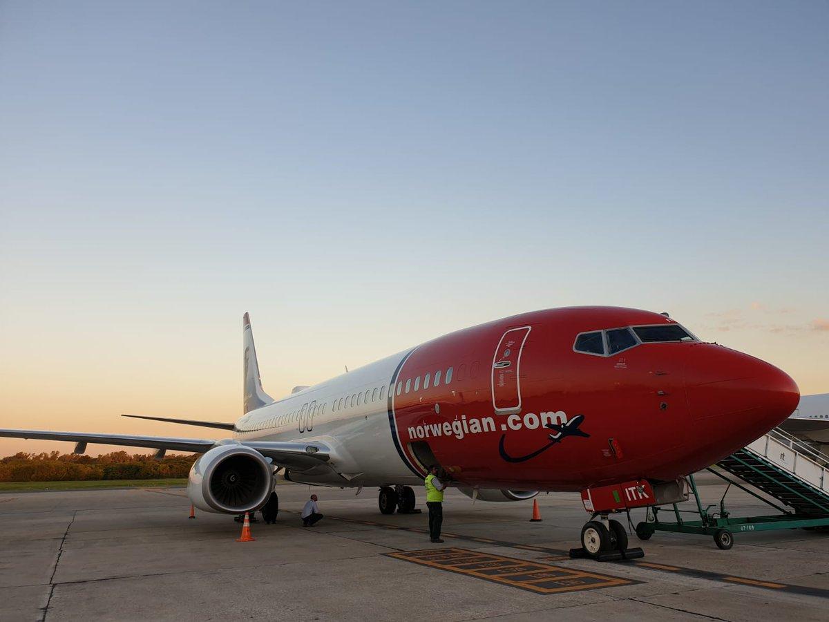 """Llega a Ushuaia el vuelo inaugural de Norwegian: «La conectividad es siempre bienvenida"""", expresó Castelli"""
