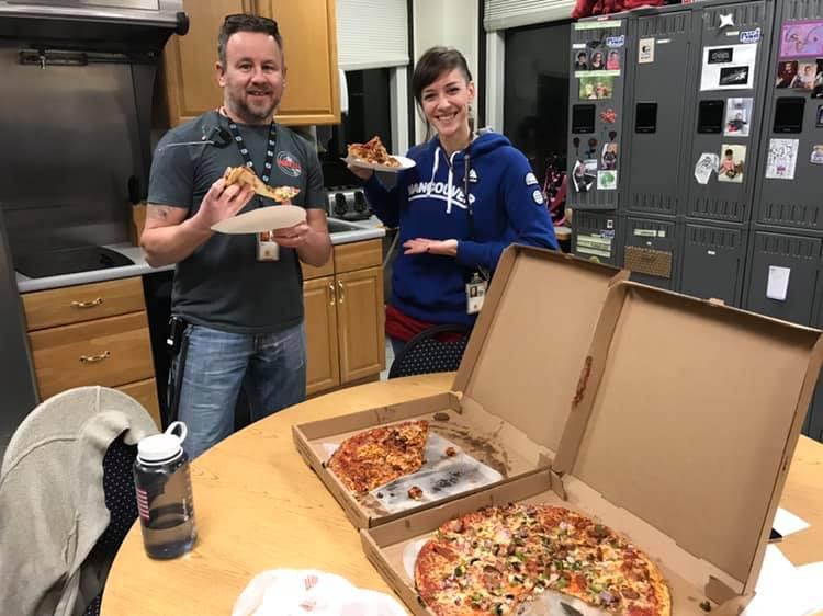 350 pizzas han sido enviadas por controladores aéreos canadienses a sus colegas de EE.UU. que trabajan sin sueldo por el cierre del Gobierno