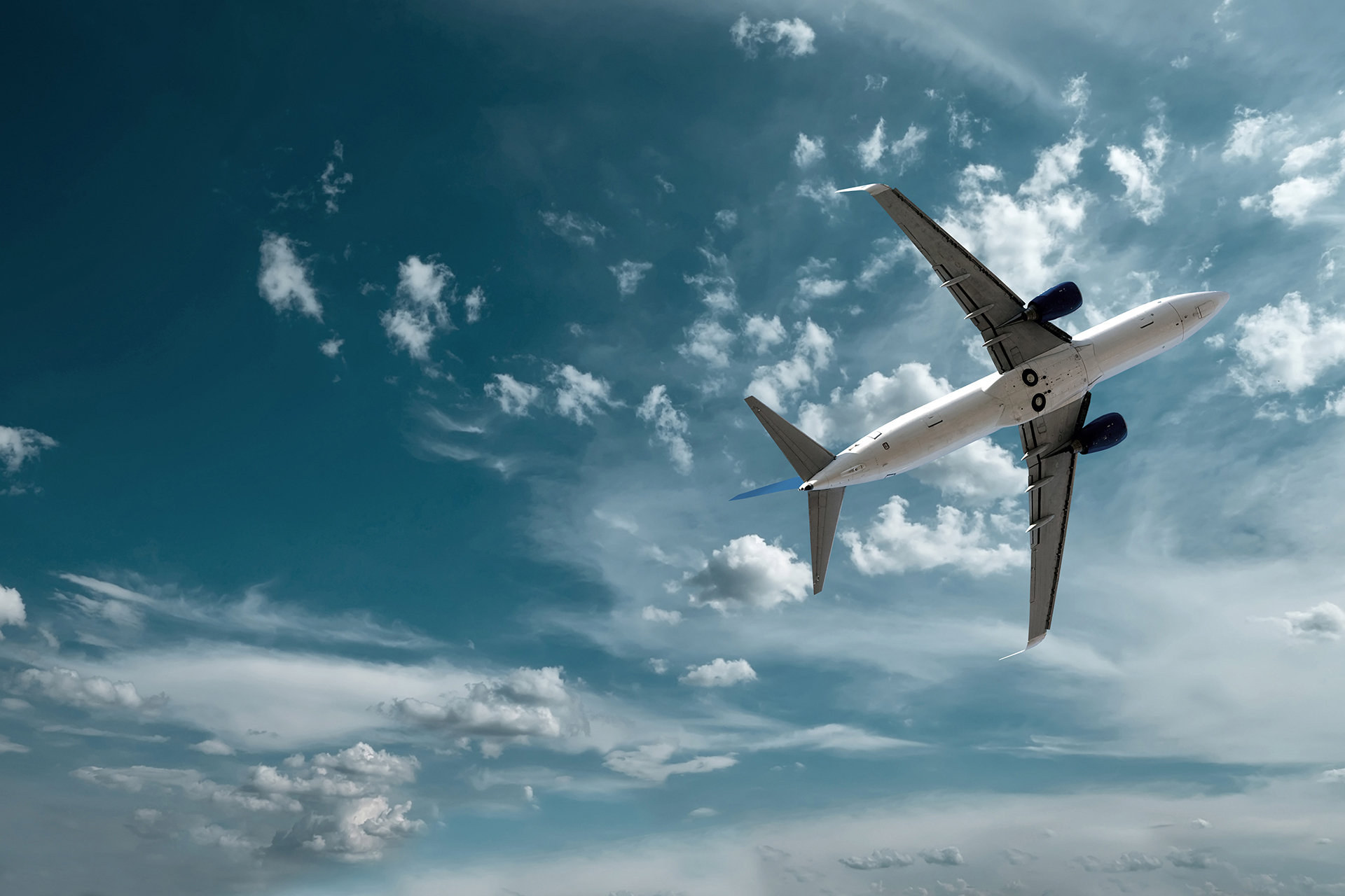 Air Passengers Want Governments to Focus on Sustainable Fuels to Cut Aviation Carbon Emissions