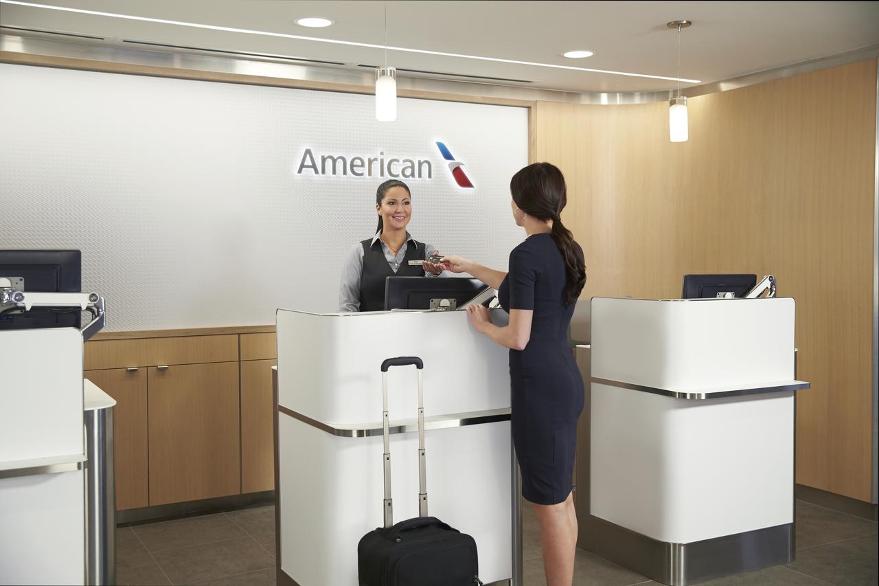 American Airlines le dice adiós al dinero en efectivo en Colombia