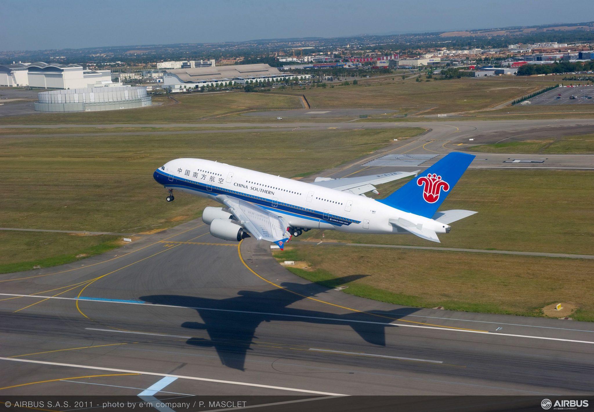 Dos aerolíneas chinas llegan a la Argentina y negocian vuelos directos