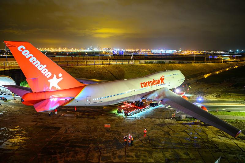 El Corendon Boeing 747 ha 'aterrizado' en el jardín del hotel