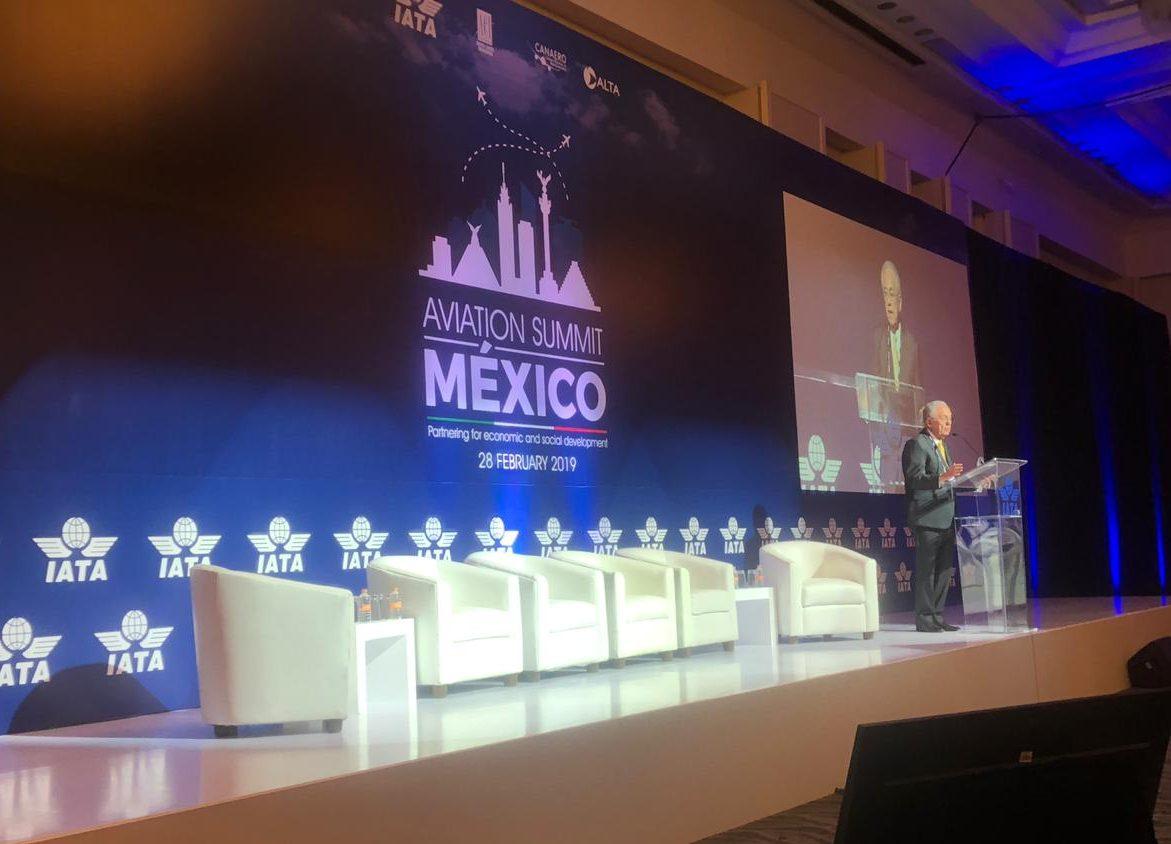 México: Contratarán a NavBlue para hacer estudio de espacio aéreo