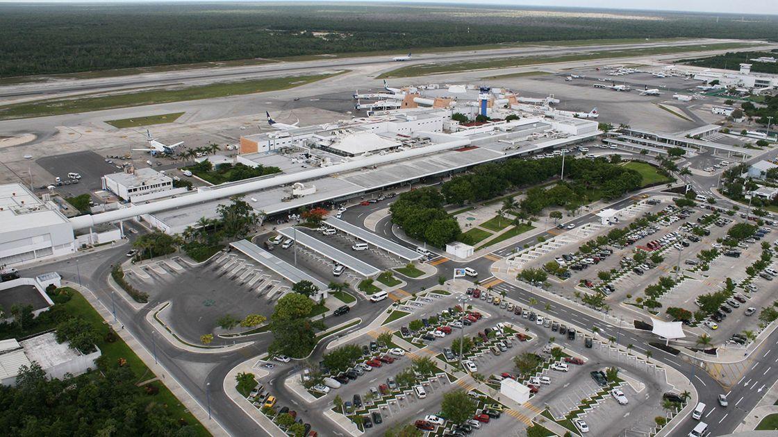 Aeropuerto de Cancún recibirá 30 agentes migratorios adicionales para agilizar entradas internacionales