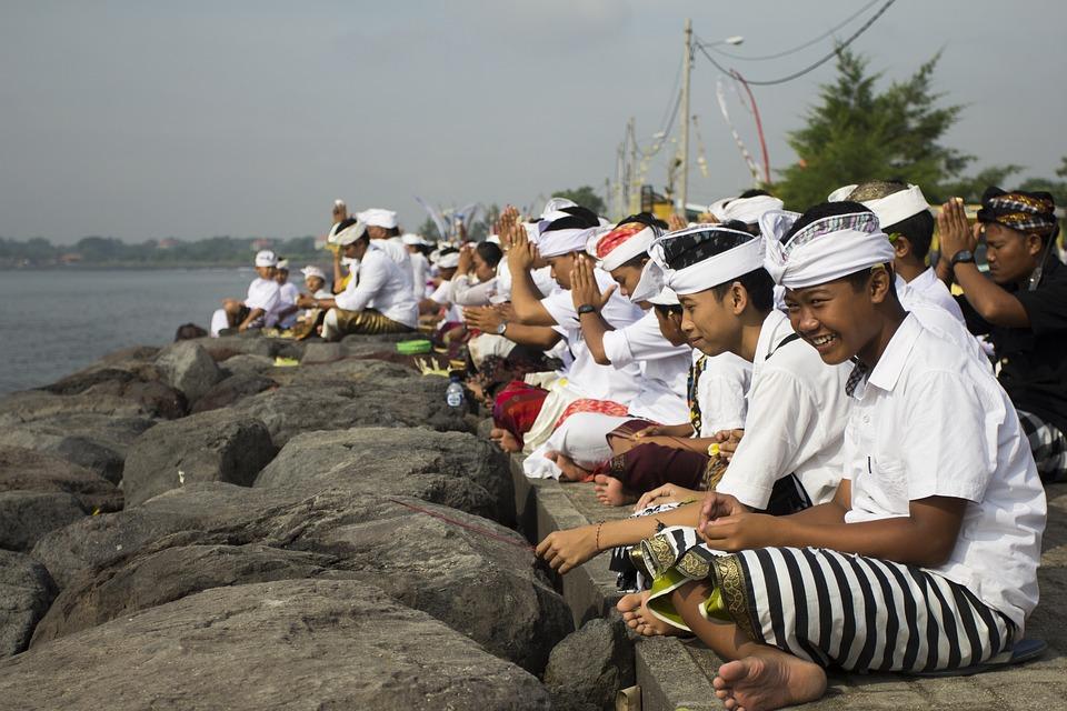 Bali cierra su aeropuerto y corta internet para celebrar «Día del Silencio»