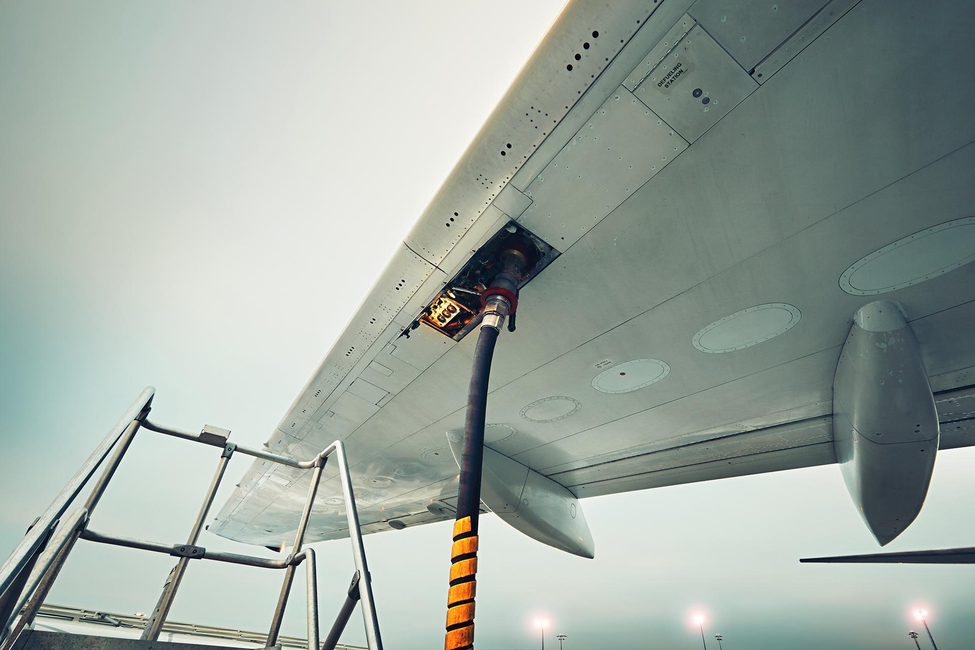 México: Costo de la turbosina y tarifas aéreas a la baja en abril