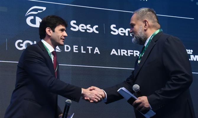 Câmara libera até 100% de capital estrangeiro em aéreas