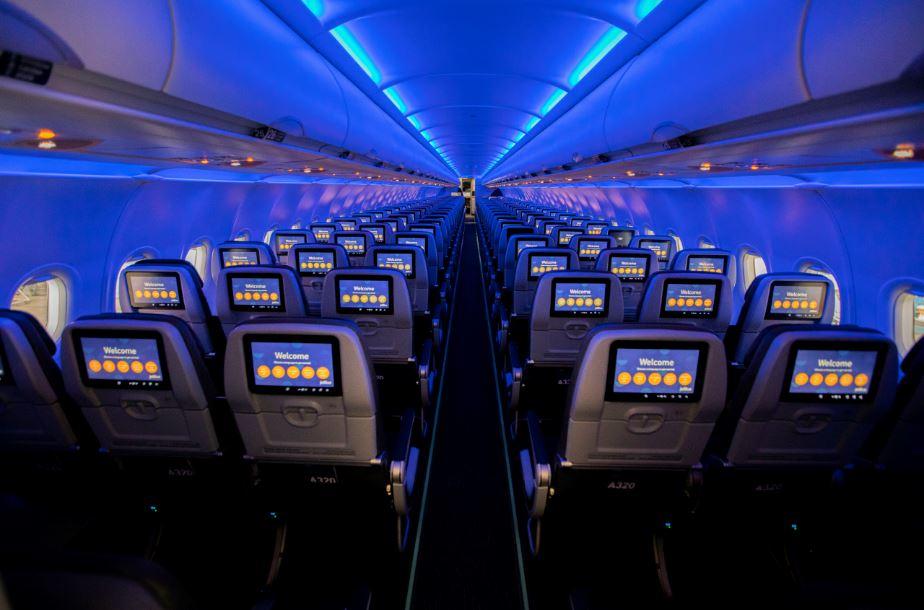 JetBlue seguirá bloqueando asientos intermedios
