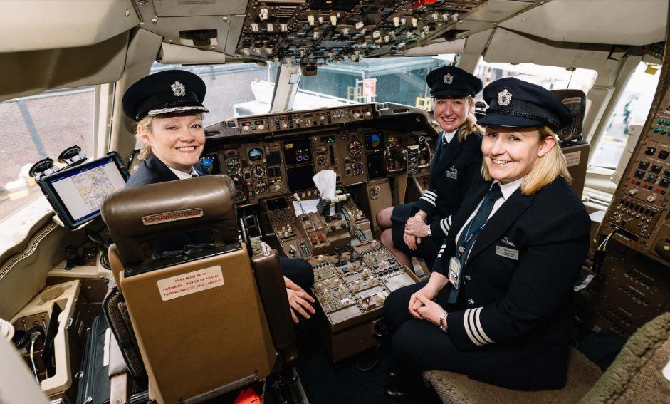 Cada vez más mujeres en la industria aérea
