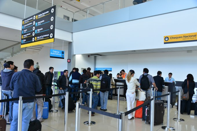 A partir del 13 de enero, viajeros que no presenten resultado de prueba PCR negativa serán inadmitidos a Ecuador