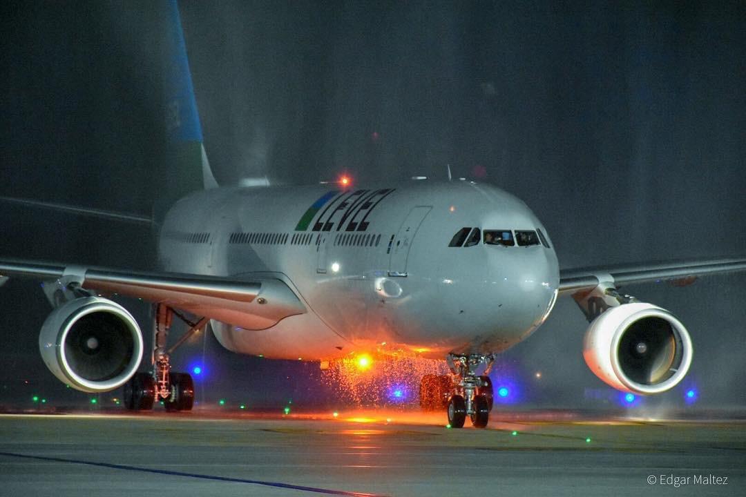Level inaugura vuelos interoceánicos a bajo costo uniendo Santiago de Chile con Barcelona