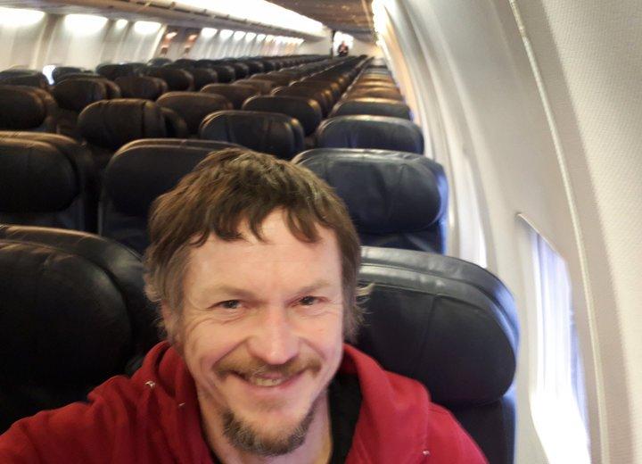 El viaje único de un hombre que abordó un Boeing 737 sin más pasajeros rumbo a Italia
