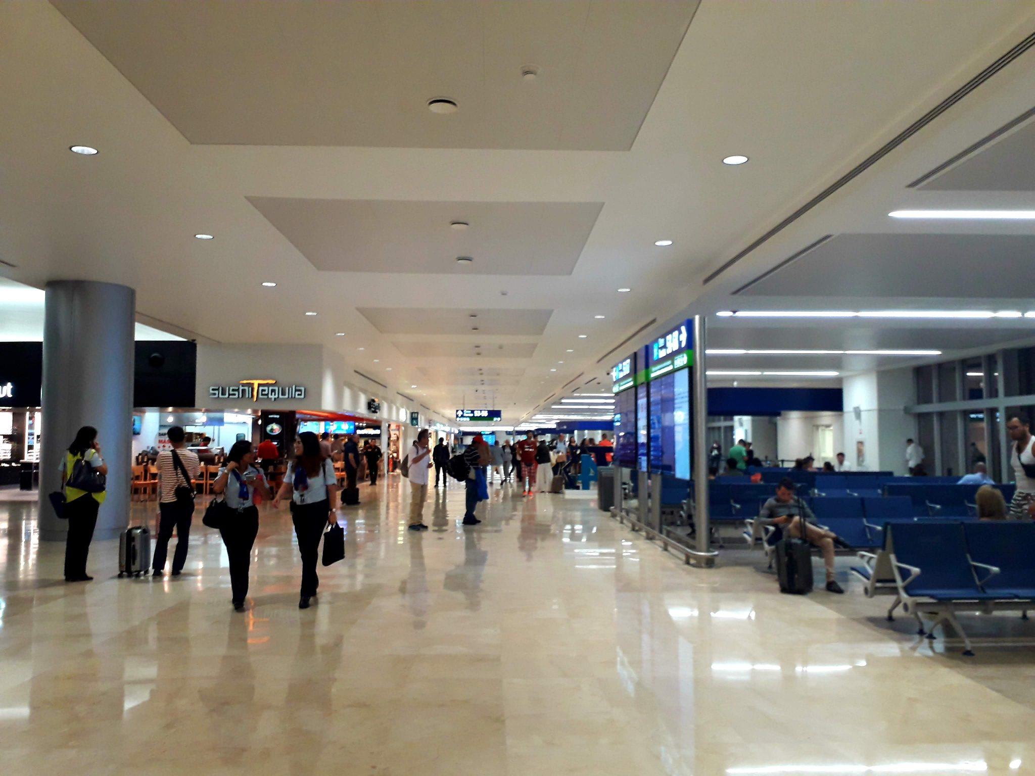 Viajeros internacionales caen 97.1% en México