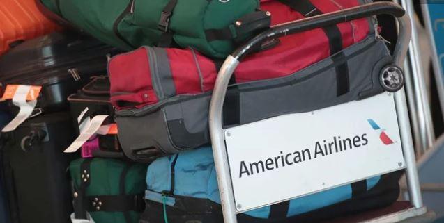 American Airlines ajusta tarifas para equipaje deportivo y de música