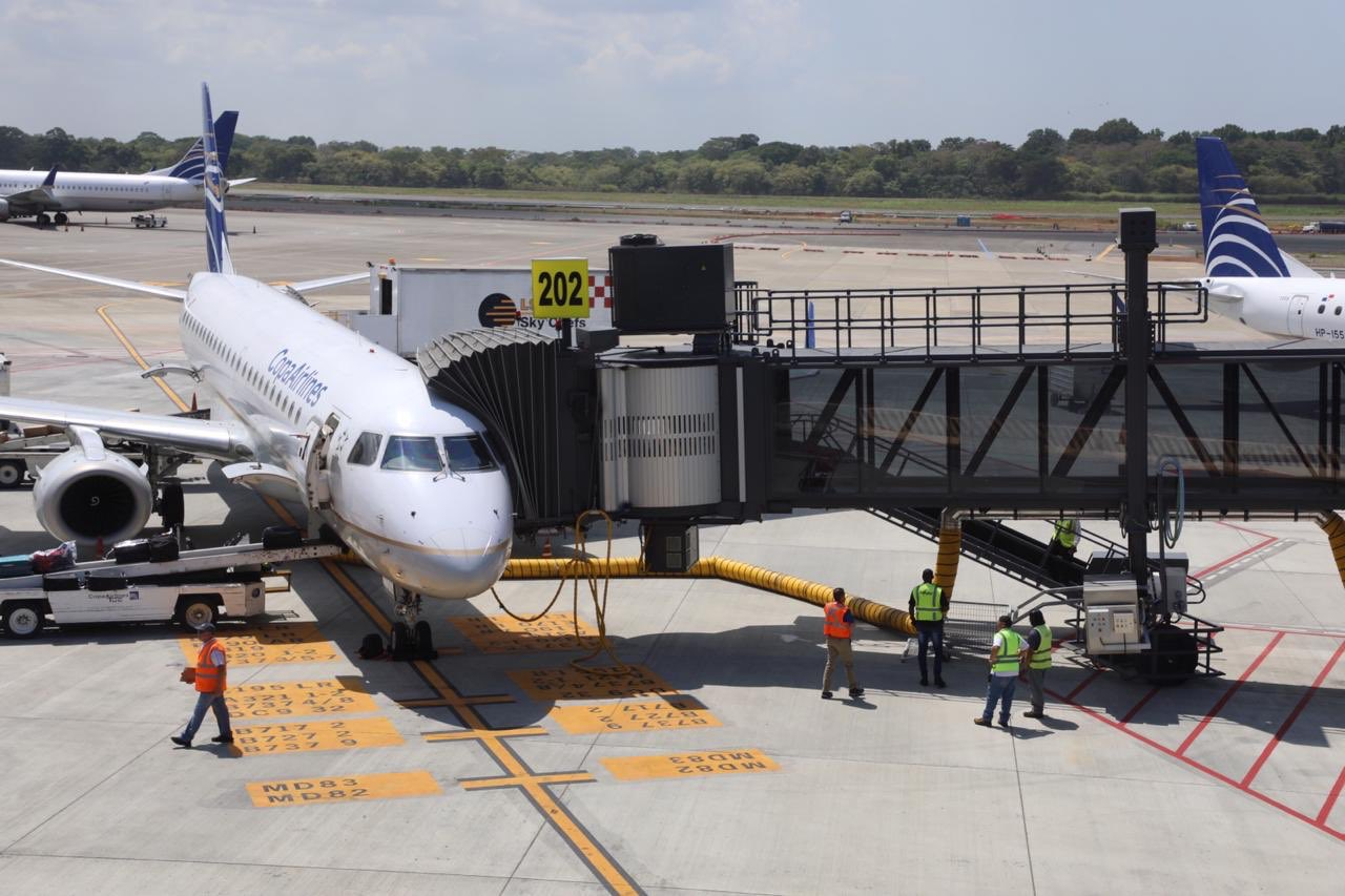 Panamá extiende hasta el 22 de mayo la suspensión de vuelos internacionales de pasajeros
