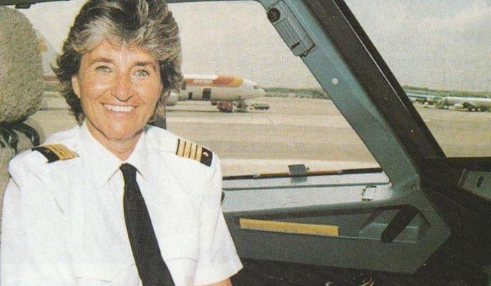 Investirán como doctora honoris causa a Bettina Kadner, primera piloto comercial de España