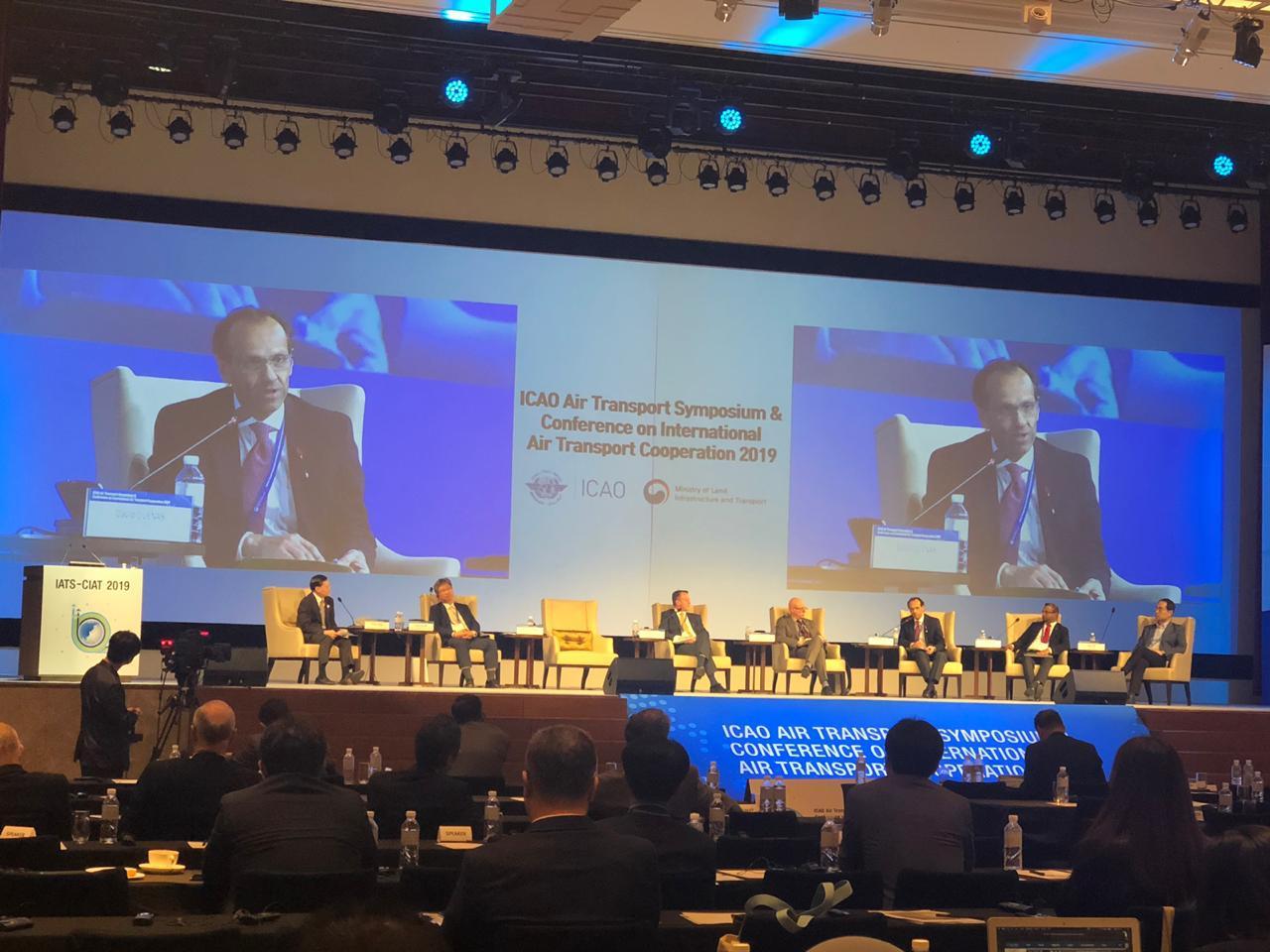 Chile participó en simposio y conferencia sobre transporte aéreo internacional