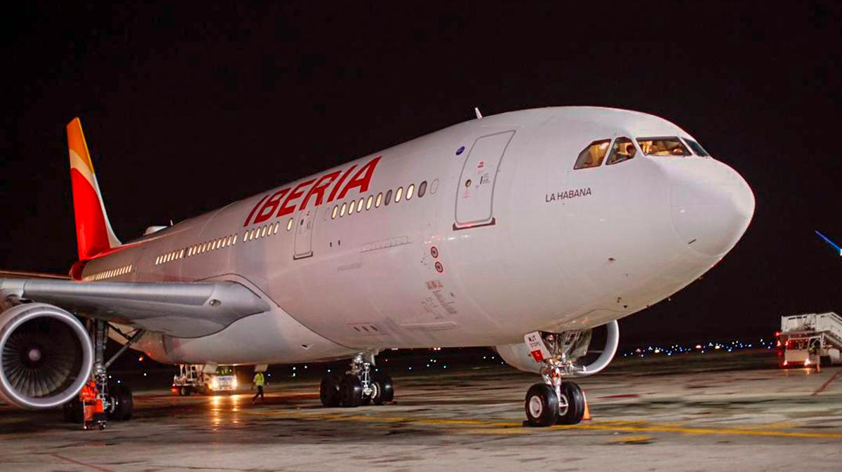 Iberia renueva acuerdo de promoción de República Dominicana como destino turismo