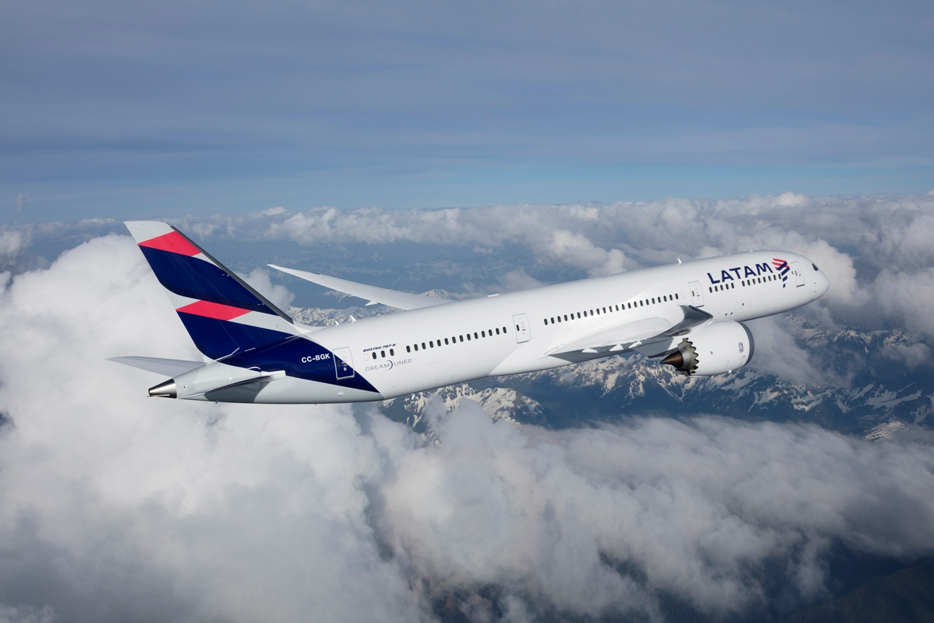 Emirates anuncia codeshare com a Latam Brasil
