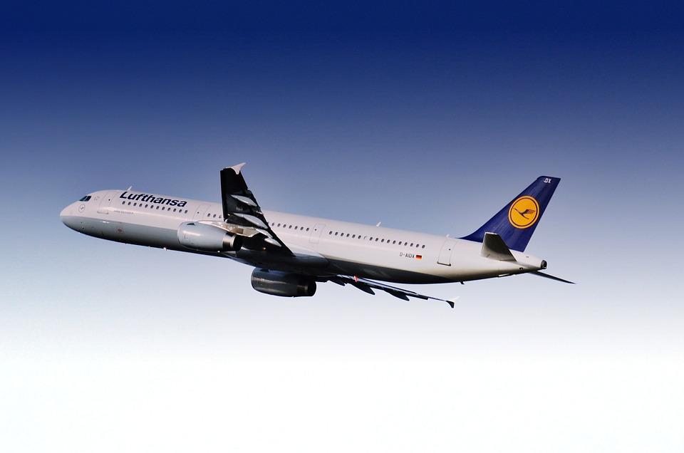 Lufthansa transportó 41,9 millones de pasajeros hasta abril, un 3,1 % más