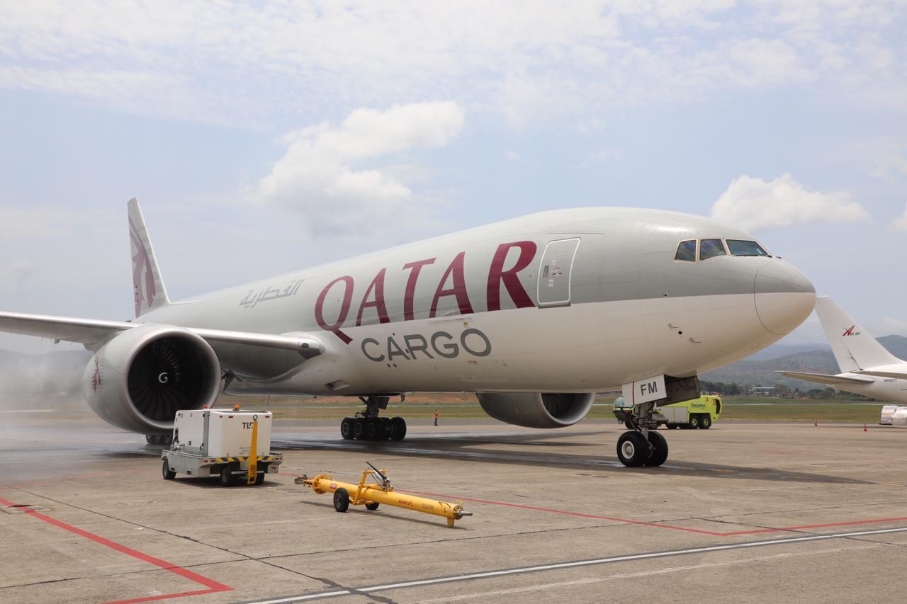 Los cargueros ganan peso en el transporte de mercancías del Aeropuerto de Barcelona