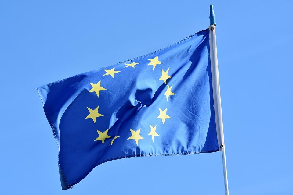 União Europeia estuda banir entrada de viajantes do Brasil, EUA e Rússia por causa da pandemia, diz jornal