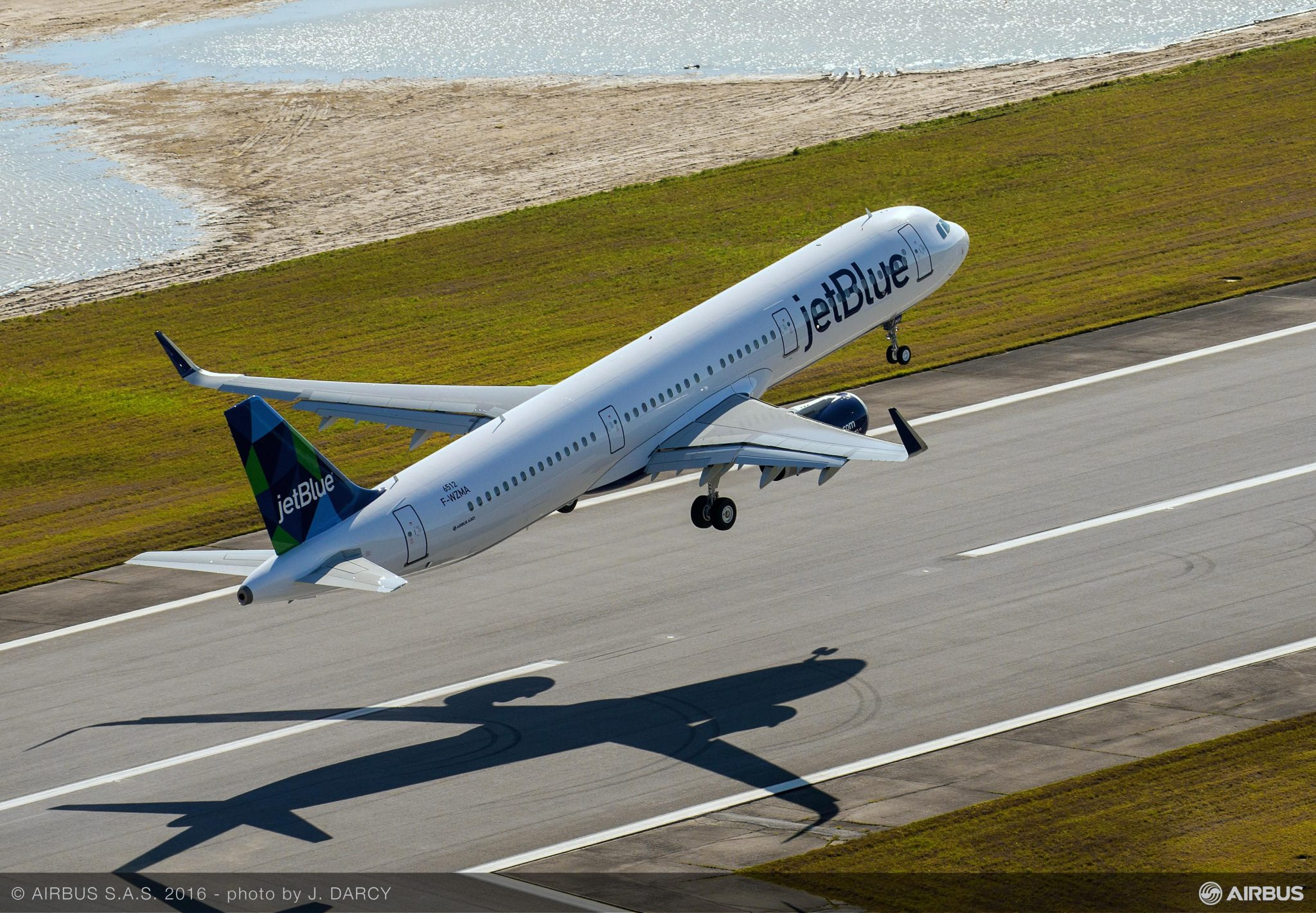 JetBlue's First A321neo Arrives in New York