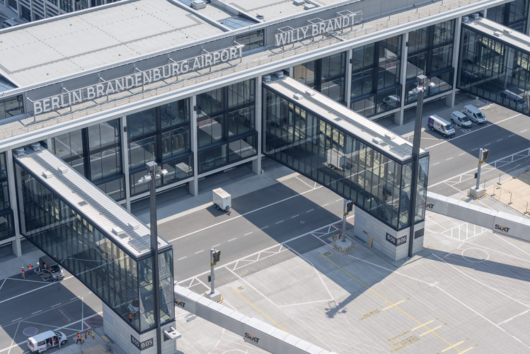 BER, el nuevo aeropuerto de Berlín, por fin, fue inaugurado