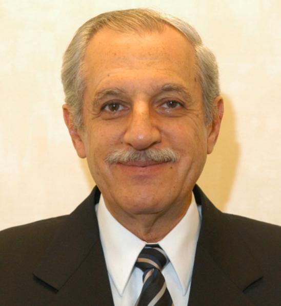 Galardonará OACI a Roberto Kobeh