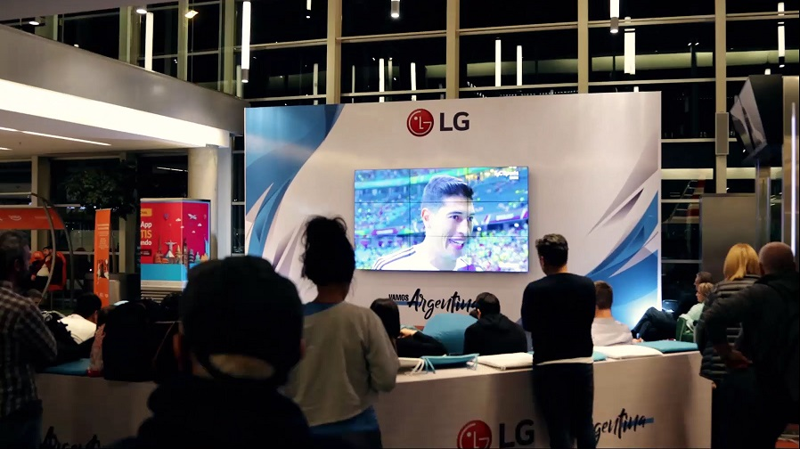 LG Electronics junto a Aeropuertos Argentina 2000 diseñó un mini estadio para transmitir todos los partidos de la Copa América 2019.
