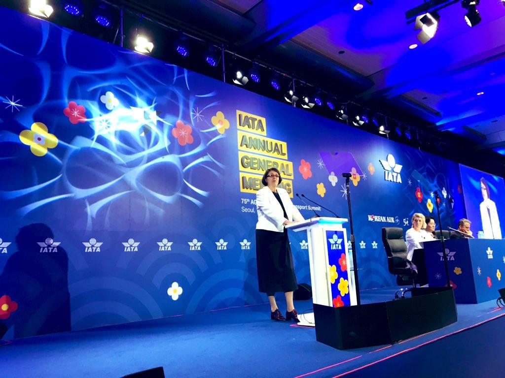 """Violeta Bulc: """"Europa tomará sus propias decisiones sobre el Boeing 737"""""""