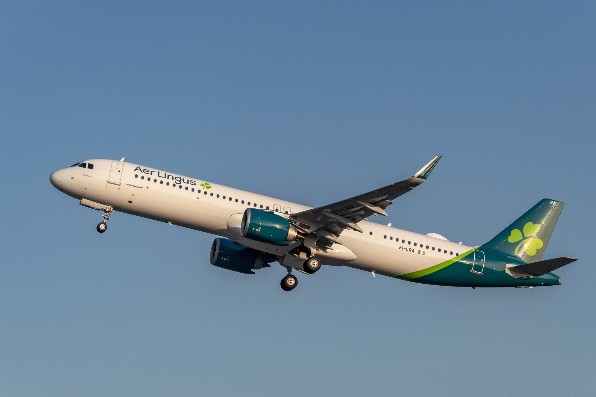 Aer Lingus takes first A321LR
