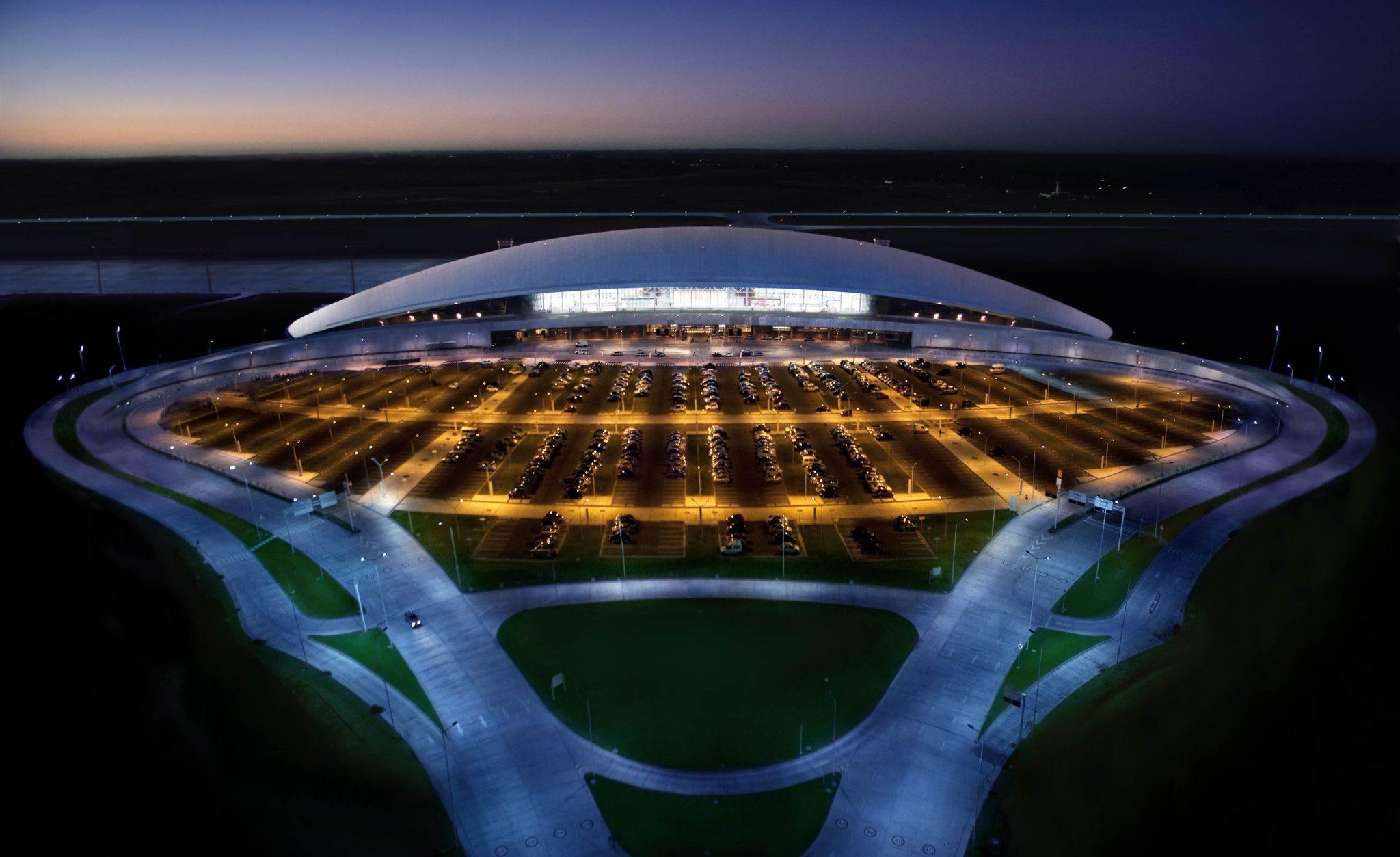 Uruguay: Aeropuerto de Carrasco y Paganza sellan acuerdo para impulsar el uso de tecnologías móviles