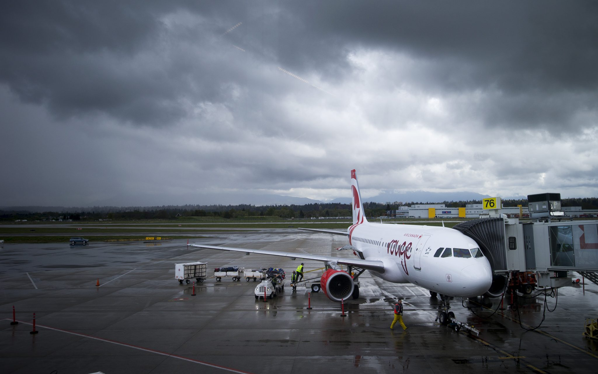 Slammed by COVID, Canada's aviation industry looking to federal government for help