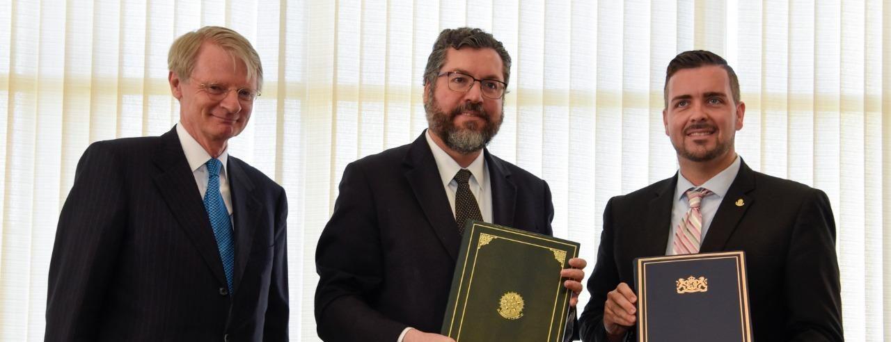 Brasil y St. Maarten firman acuerdo de cielos abiertos