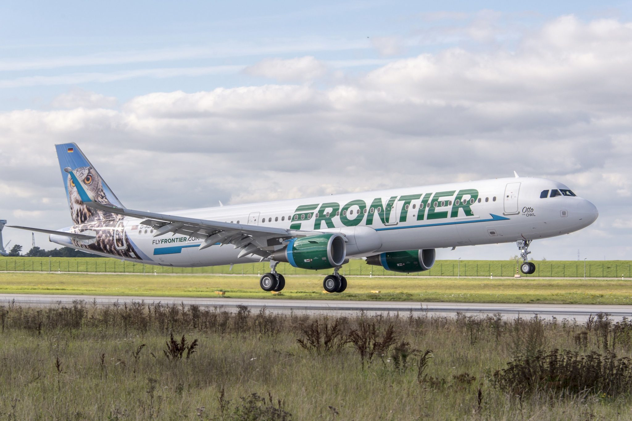 Frontier Airlines Expanding Service at Newark Liberty International Airport