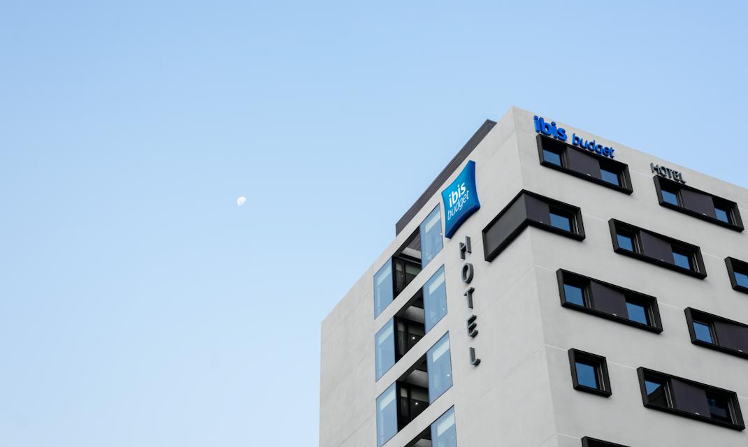 Ibis budget  suma nuevo hotel en la capital de Chile